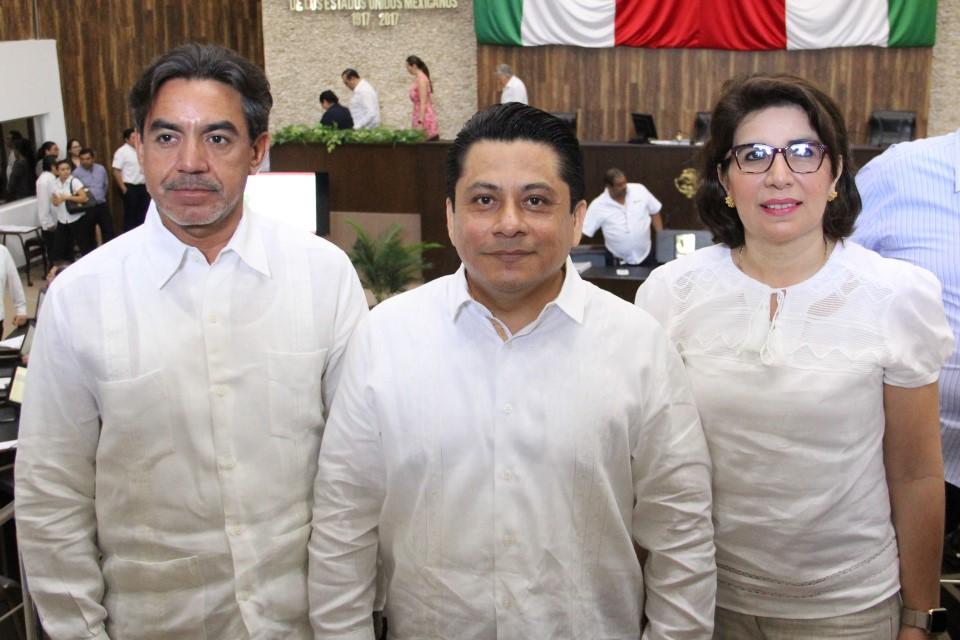 El Pleno del Inaip Yucatán está conformado por los comisionados Aldrin Briceño Conrado como presidente, María Eugenia Sansores Ruz y Carlos Pavón Durán.